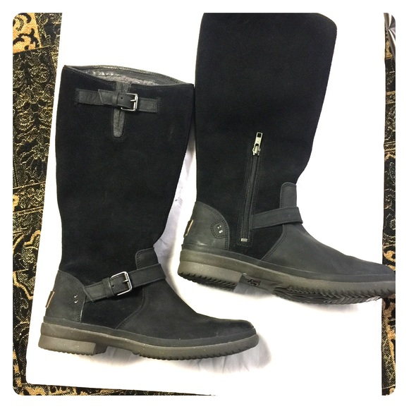 4df34cce0b3 Sale Ugg Waterproof Thomsen Boots Size 8